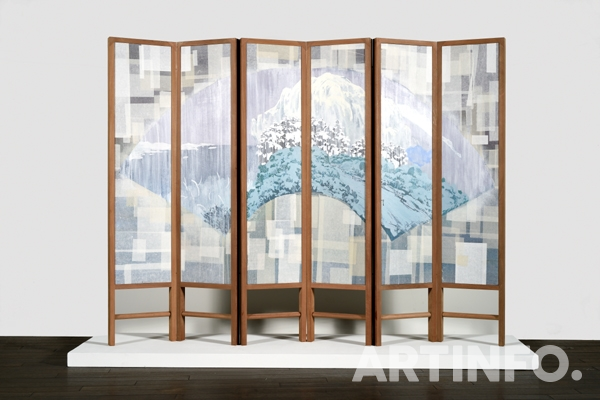 특별상 정성윤, '雪山夢遊圖'. 130.3×32.3cm (6ea), Acrylic and Rice Paper on Korean Paper, Folding Screen Installation,2018.(사진=가나아트)
