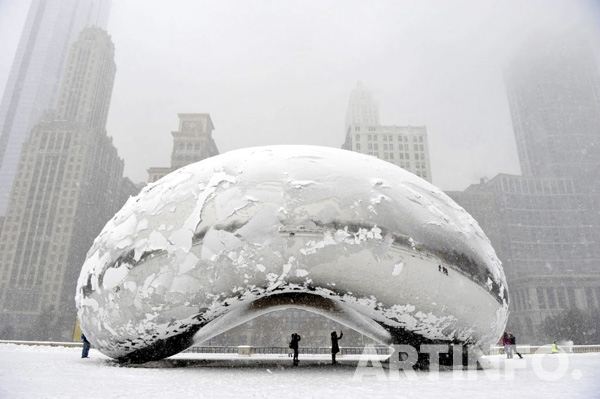 Anish Kapoor 'Cloud Gate' (2006) at Millennium Park in Chicago. (사진=Brian Kersey/게티 이미지(Getty Images)'.